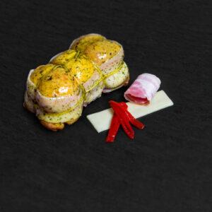 Muslo Relleno de Bacon, Queso y Piquillo
