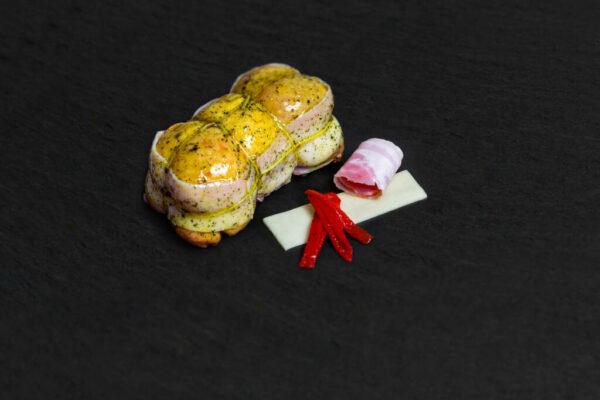 Muslo Relleno De Bacon Queso Y Piquillo